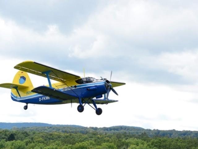 Kirchheim/Teck: Tausende bei Oldtimer-Fliegertreffen auf der Hahnweide