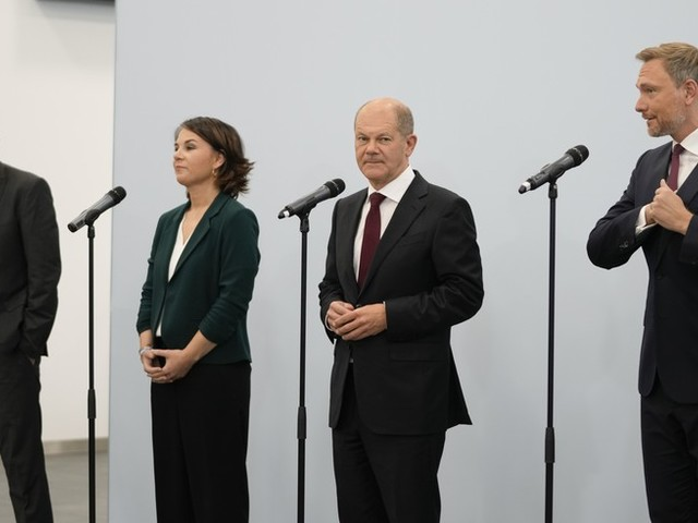 """Sondierungs-News: FDP, Grüne und SPD bereit für Koalitionsgespräche – """"Haben uns auf ein Papier zur Sondierung geeinigt."""""""