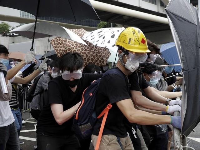 Hongkong: Polizei geht mit Tränengas gegen Demonstranten vor