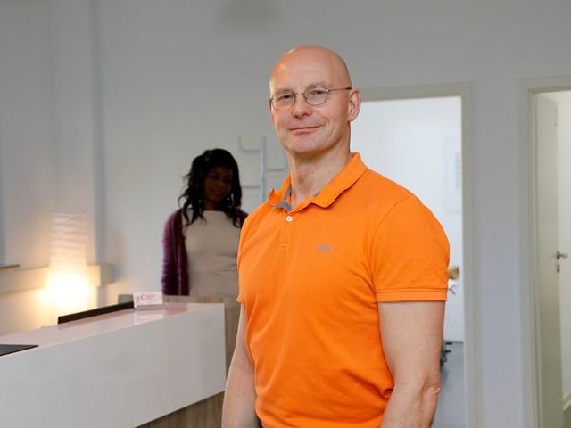Anzeige Neueröffnung in Stuttgart-Ost : Cura Med.: Vorsprung durch Kompetenz und Technik