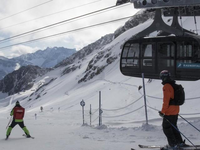 Wiedereröffnung der Skilifte: Ohne Schutzmaske in der Gondel