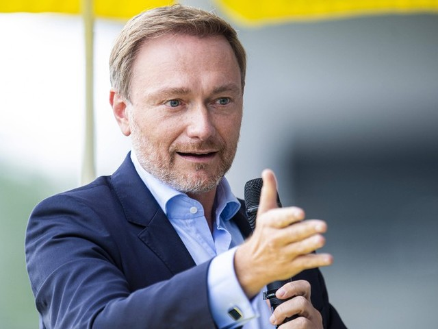 """Das FDP-Wahlprogramm 2021 im watson-Check: Überraschend feministisch, aber mit derselben Kernbotschaft – Wirtschaft """"entfesseln"""" und den freien Markt stärken"""