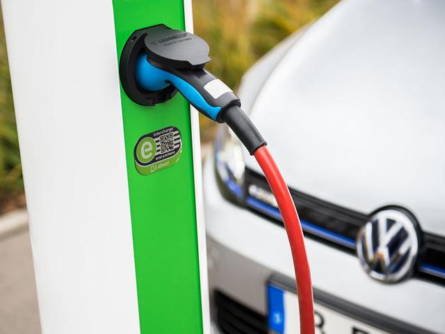 Stromnetz hält E-Mobilität aus