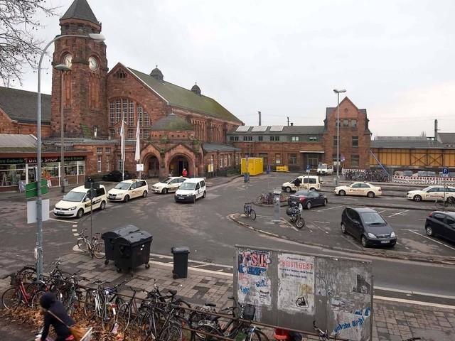 Frau im Hauptbahnhof Gießen von Zug überfahren und getötet