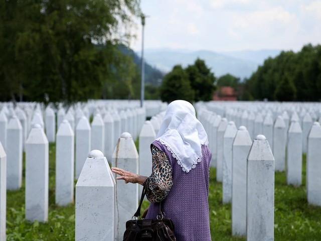 Hoher Repräsentant ordnet an: Leugnung des Völkermords von Srebrenica soll strafbar werden