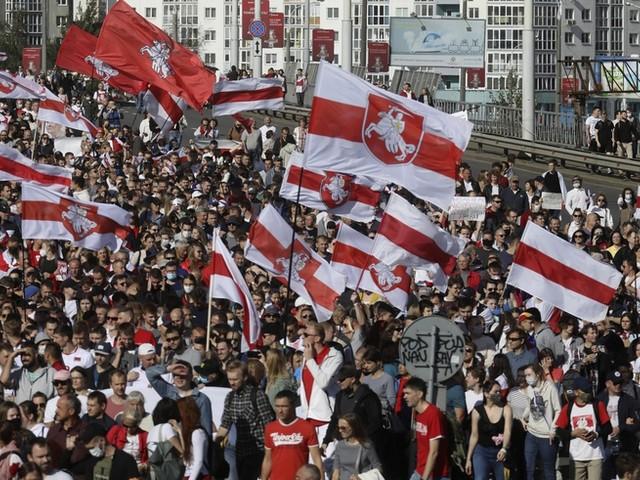 Minsk gleicht Festung: 150.000 protestieren am Sonntag gegen Lukaschenko