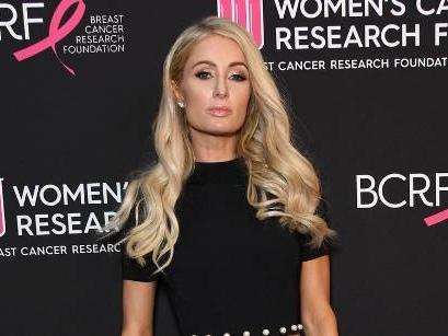 Paris Hilton trauert um ihren Großvater Barron
