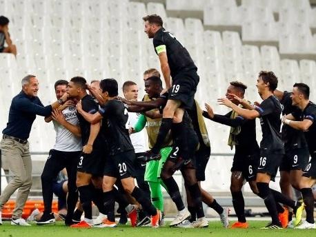 "2:1 in Marseille: Frankfurt gewinnt ""Geisterspiel"" in Europa League"