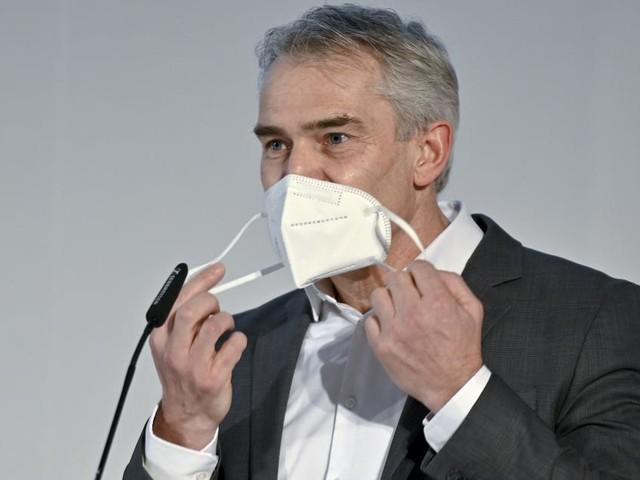 Kein Sommer wie damals: Epidemiologe spricht sich für Masken-Rückkehr aus