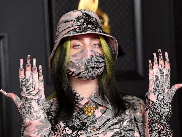 Billie Eilish tauscht grün-schwarzes Haar gegen platinblond
