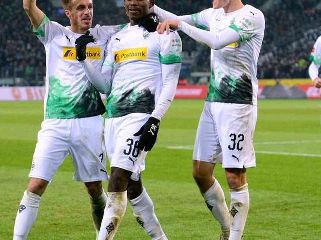 Gladbach schlägt Freiburg 4:2: Borussias Embolo und sein fast perfekter Tag