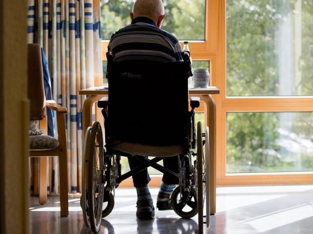 Besuchseinschränkungen in Alten- und Pflegeheimen sollen fallen