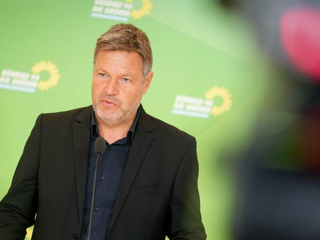 """Habeck zu Personalentscheidungen: """"Die Frage, wer Vizekanzler wird, ist völlig irrelevant"""""""