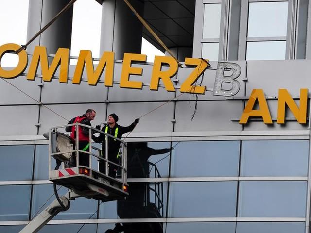 4.300 Stellen in Gefahr: Commerzbank plant Stellenabbau und Filialschließungen