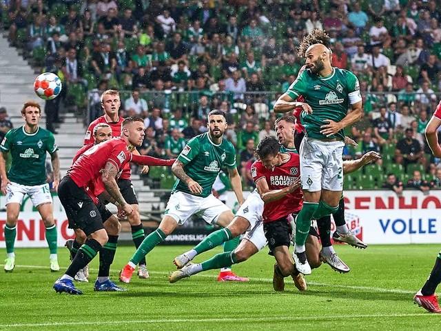 Der SV Werder Bremen stolpert in die 2. Bundesliga: Schwaches Unentschieden gegen Hannover 96