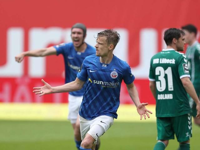 Finale in der 3. Liga: Hansa Rostock schafft Zweitliga-Rückkehr nach neun Jahren