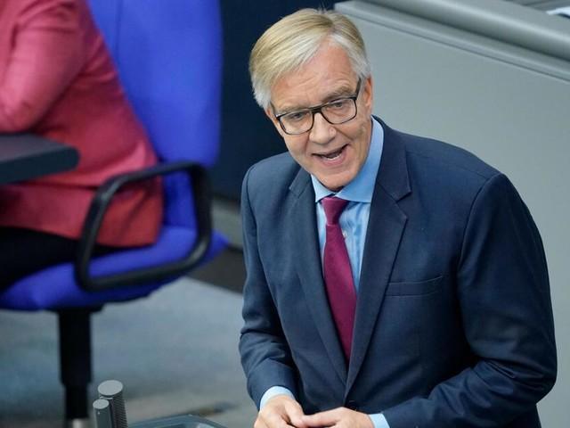Über 20.000 Euro monatlich: Linke kritisiert Pensionen für Ex-Bahn-Vorstände