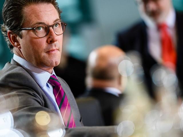 Verkehrsminister Scheuer: Im Porsche durch die Politik