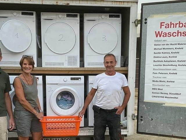 Eine Krefelder Familie packt an: Mobiler Waschsalon aus Krefeld für Flutopfer