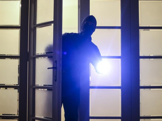 Wien-Währing: Ehepaar ertappt Einbrecher spätnachts in Wohnung
