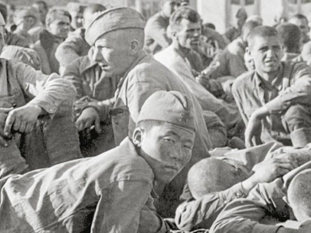 """Geschunden und gequält von den Nazis - Perfider """"Hunger-Plan"""": Das grausame Schicksal der sowjetischen Kriegs-Gefangenen"""