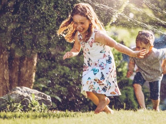 So wird der eigene Garten zum sicheren Spielplatz für Kinder