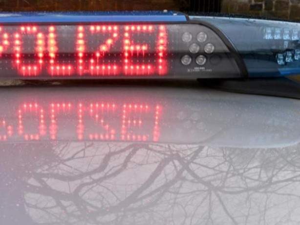Kriminalität: Randale am James-Simon-Park: Polizei mit Flaschen beworfen