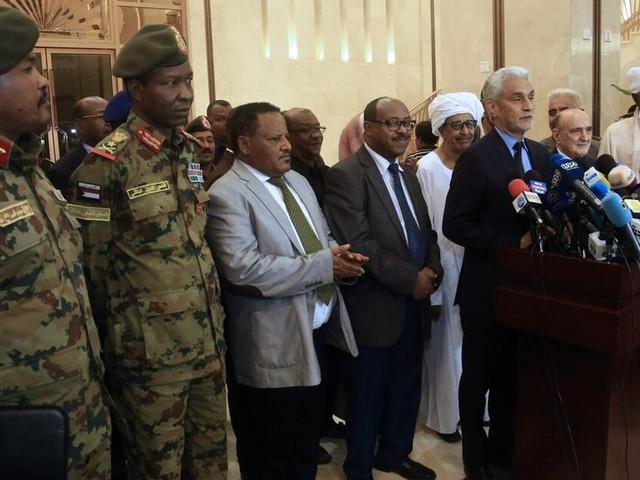 Sudans Militär und die Opposition einigen sich auf Verfassungsrahmen