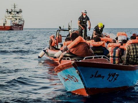Seenotretter: Dutzende Migranten bei Einsätzen im Mittelmeer geborgen