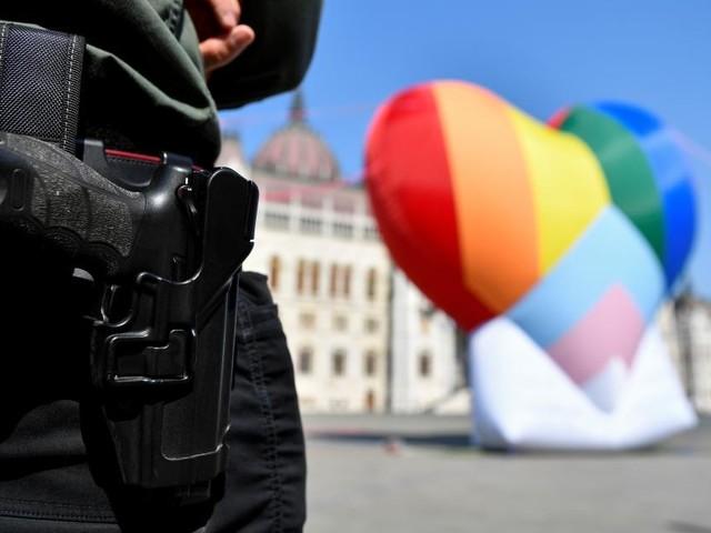 Ungarn: Bußgeld wegen Kinderbuchs über Regenbogen-Familie
