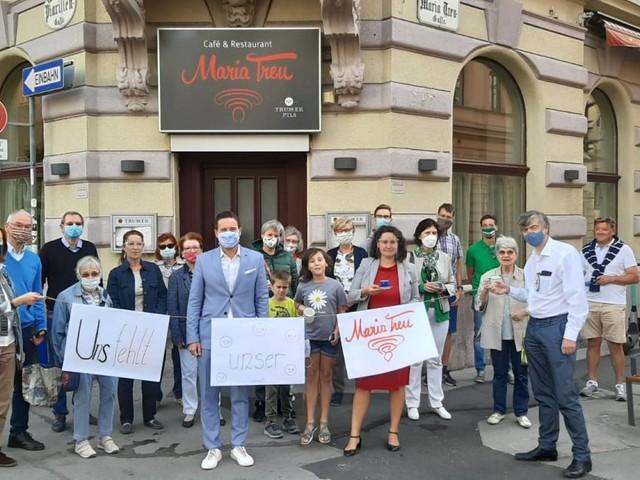 Josefstadt: Ein Protest mit Kaffeetassen
