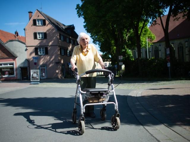 Rollator-Spendenlauf: 97-Jährige übertrifft Erwartungen