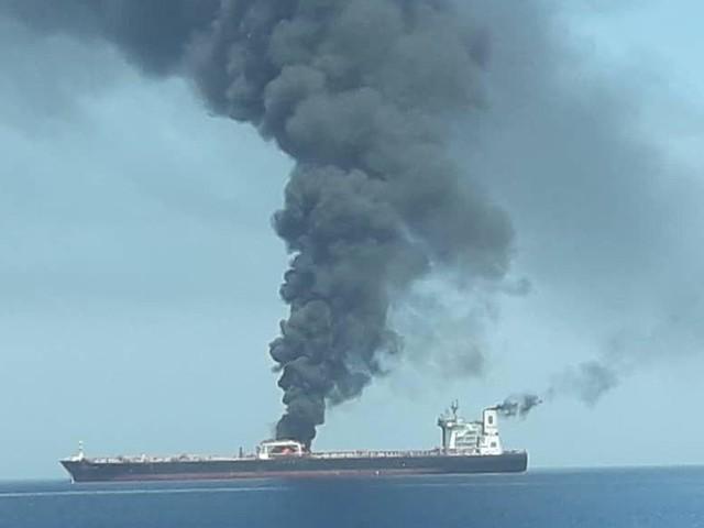 Golf von Oman: Brennende Tanker im Krisengebiet