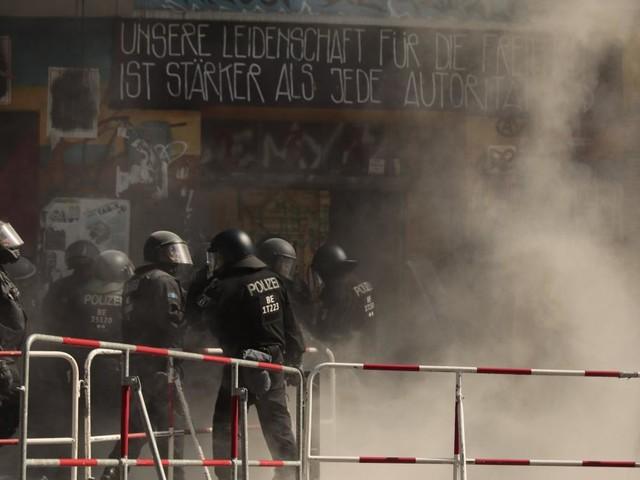 """Grüne und Linke wollen nicht von """"linksextremer Gewalt"""" sprechen – Kritik von FDP und CDU"""