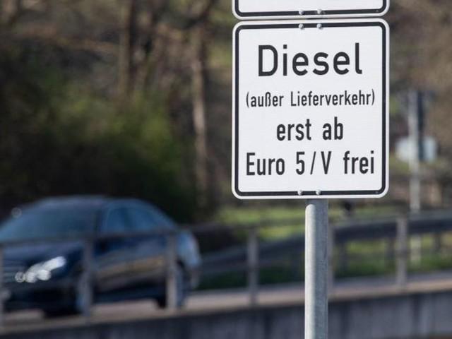 Urteil: Köln muss vier Straßen für Diesel sperren