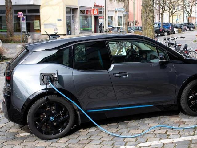 Schnäppchen-Stromer: E-Auto aus zweiter Hand oder neu kaufen?