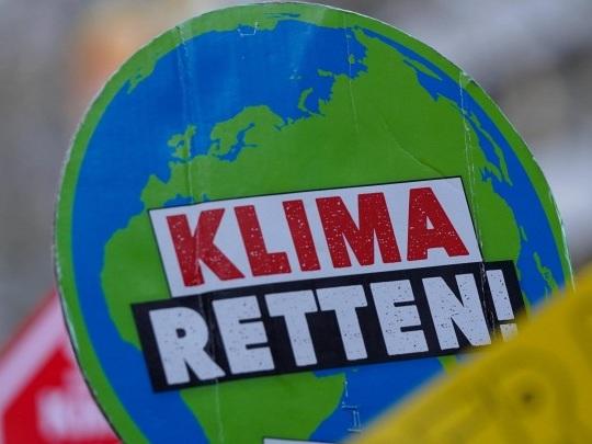 Klimaschutz - Bundesregierung will nach Karlsruher Urteil rasch handeln