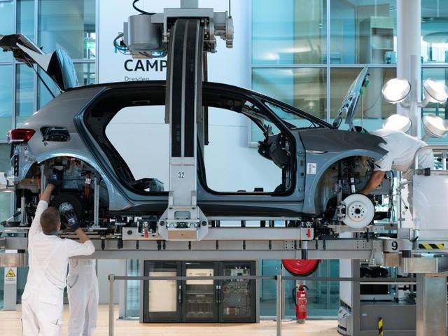 Chipmangel bremst Produktion bei VW und Toyota