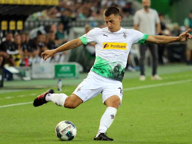 Nur zehn Tage nach Außenbandriss: Lainer schon zurück im Borussia-Training