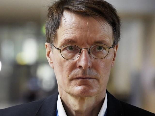 """Corona-News: Über 12.000 Neuinfektionen in Frankreich – """"sind in die vierte Welle der Epidemie eingetreten"""" ++ Lauterbach fordert Impfung für junge Menschen"""