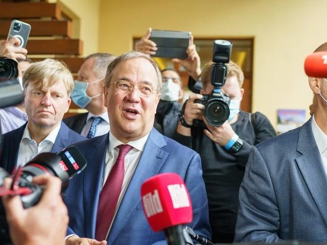 Wahlumfrage: Union holt leicht auf – kann Armin Laschet (CDU) das Ruder noch herumreißen?