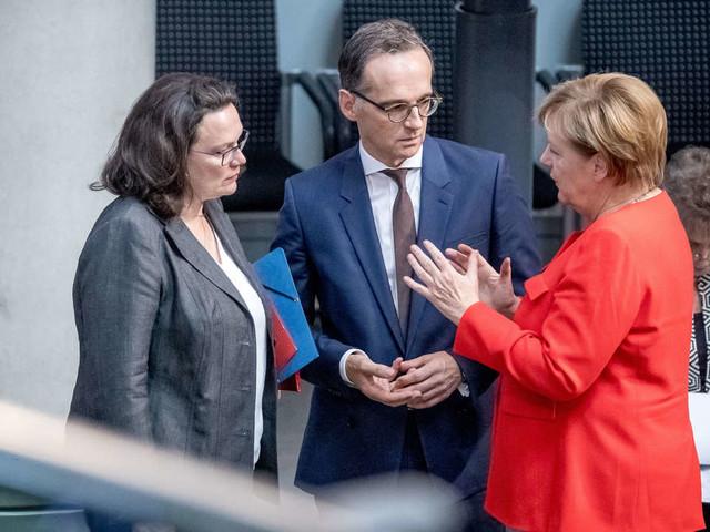 """Falschmeldungen über Migrationspakt? Maas rügt """"abstruse Verschwörungstheorien"""" - Merkel äußert sich"""