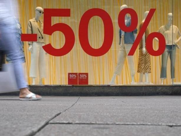 Konjunktur: Lockerungen der Corona-Regeln: Einzelhandel setzt mehr um