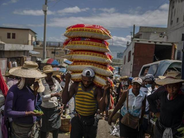 Corona-Lage kritisch: Gewalt vertreibt Tausende in Haiti