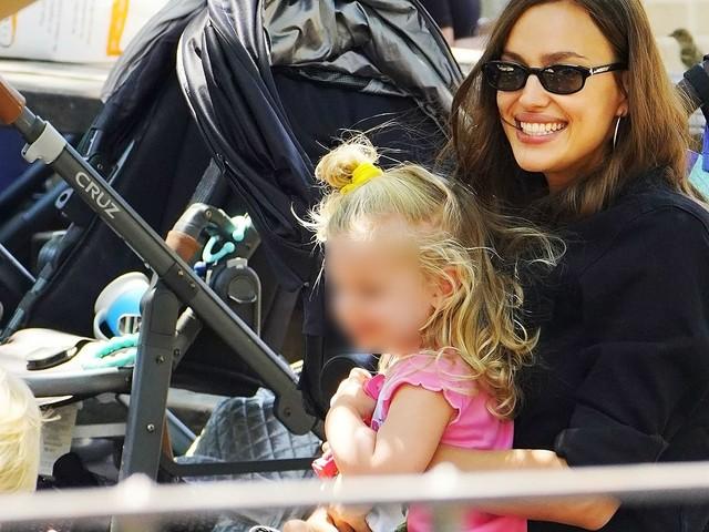Nach Bradley-Trennung: Hier strahlt Irina mit ihrer Tochter
