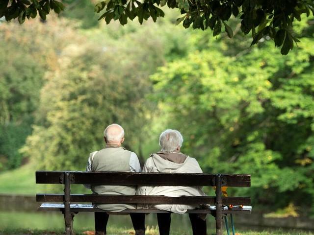 Rentenpolitik: Arbeitgeber für Debatte über längere Lebensarbeitszeit
