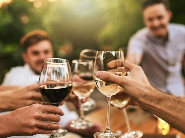 Tipps für Genießer: Das sind die 3 häufigsten Fehler beim Weintrinken