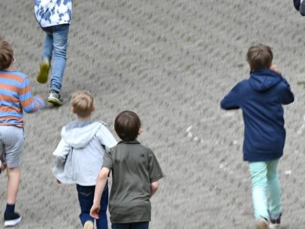 Studie: Psychische Gesundheit von Schülern wichtig wie Bildung