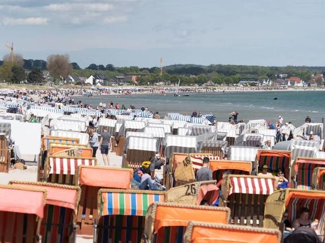 Hitzewelle in Deutschland: Erste Strandabschnitte an Ostsee gesperrt