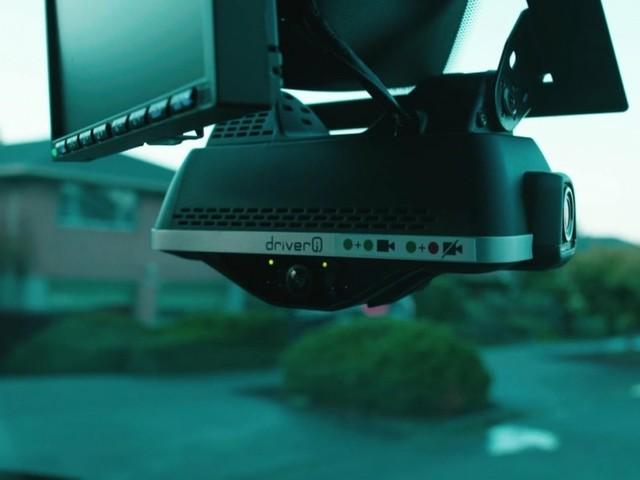 Amazon-Zusteller: KI-Kamera im Führerhaus senkt Lohn durch falsche Abstrafung